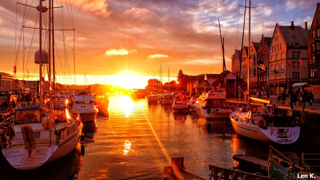 Sunset at Brygge