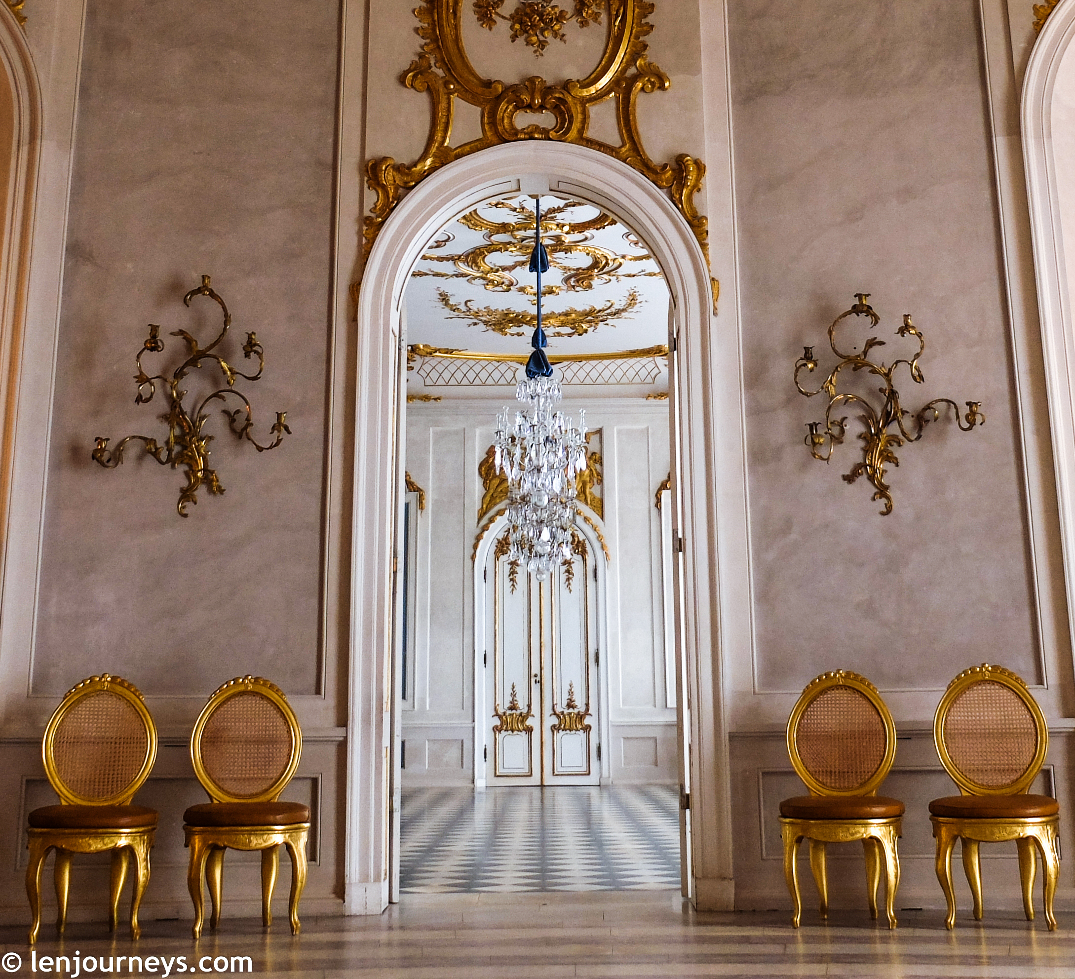 Rooms in Rococo style