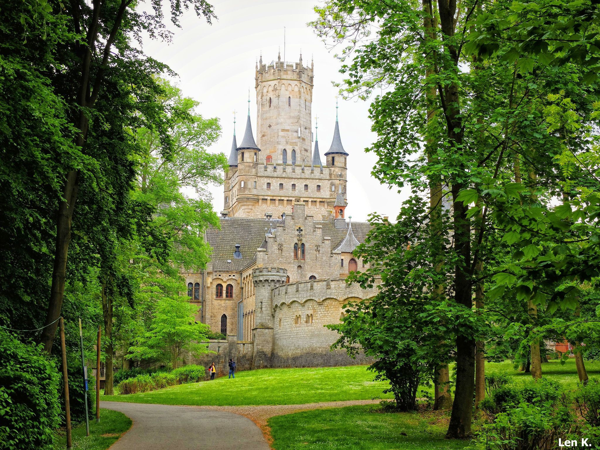 The tree-lined path leading to Marienburg