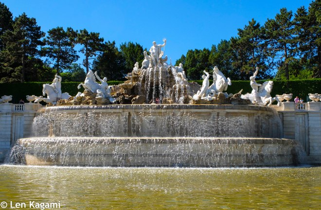 Grand Fountain in Schönbrunn Park