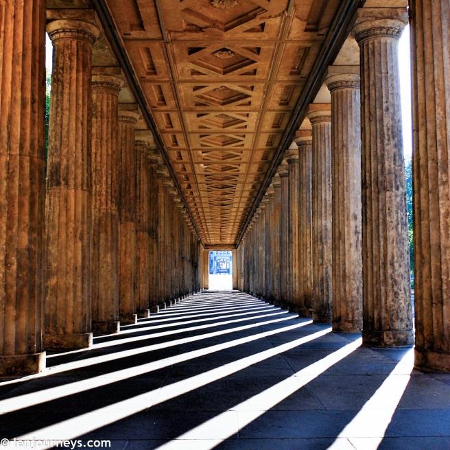 The hallway of Neues Museum