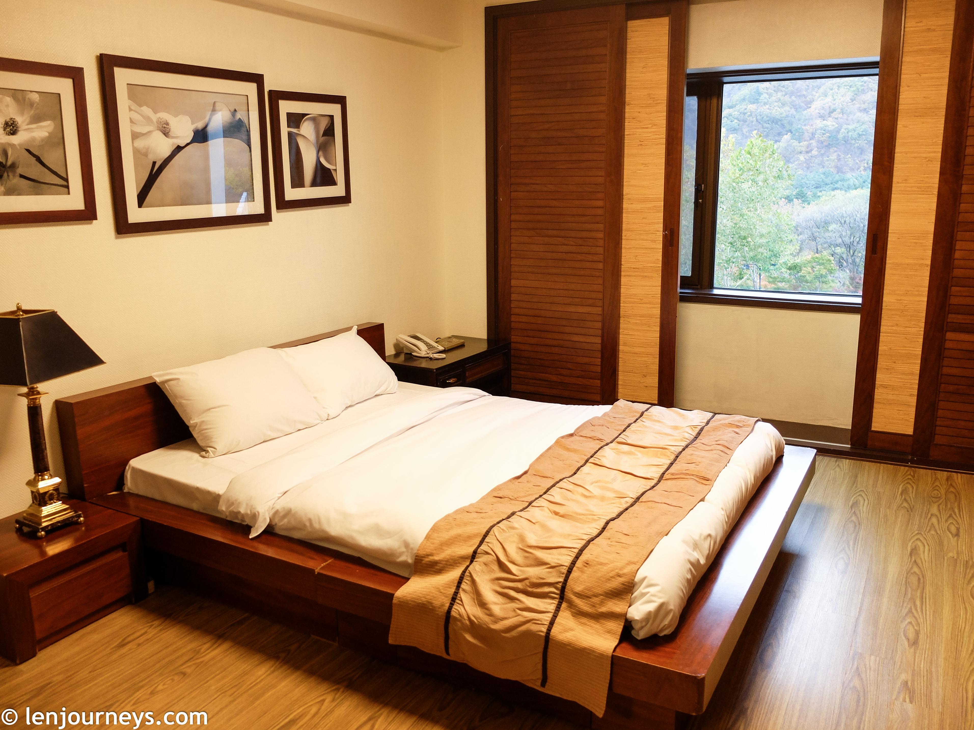 The Zen-style bedroom